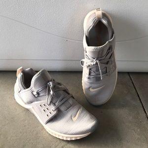 Nike metcon workout shoes size 10 gray